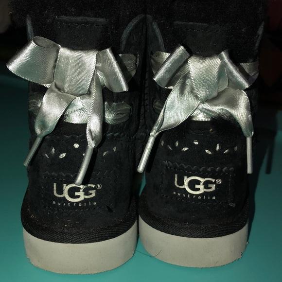 924bfa8b163 Girl UGG boot black with silver shoe string